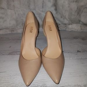 A.N.A Taupe pumps